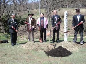 ふくしまディスティネーションキャンペーン記念植樹(2014年4月)
